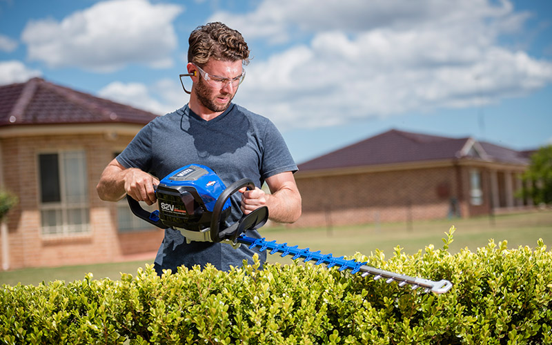 Victa Lithium Ion Hedge Trimmer